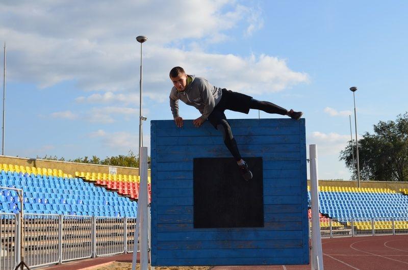 Мечтают о службе в МЧС. В Магнитогорске подростки бесплатно бегают со штурмовыми лестницами