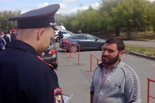 Всех поставили на фотоучет. В Магнитогорске полицейские нагрянули на рынки