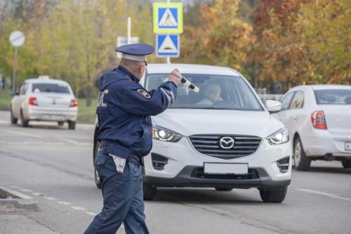 Попался и один пьяный водитель. Сотрудники ГИБДД и общественники дежурили около городских школ
