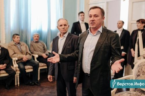 «Город развивается благодаря вам!» Ветеранов «Горэлектросети» чествовали в театре оперы и балета