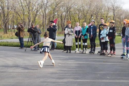 Сделали «восьмерку». Магнитогорские подростки продемонстрировали умения фигурной езды