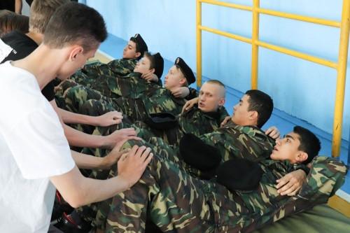 Мальчишки учатся служить. Магнитогорские школы проводят Дни призывников