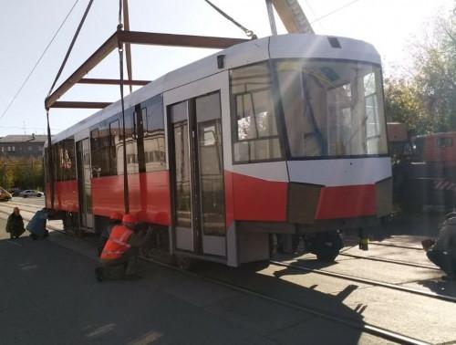 Плюс вагон. В Магнитку приехал еще один трамвай из Екатеринбурга
