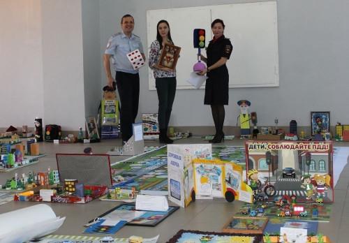 40 семей-победителей. В Магнитогорске правилам дорожного движения научат с пеленок