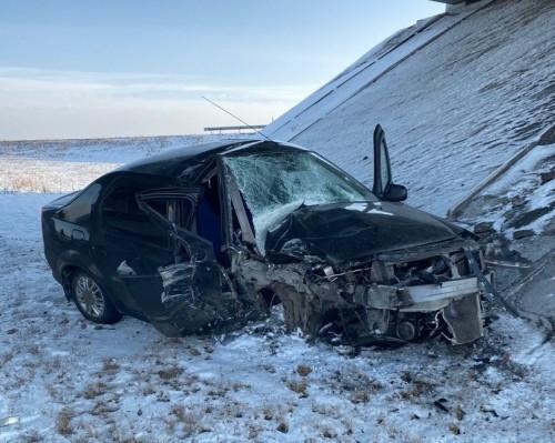 От удара оторвало колеса. По дороге на Верхнеуральск произошло серьезное ДТП