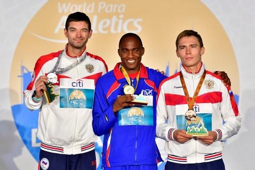 Вот это уровень! Уроженец Магнитки стал медалистом чемпионата мира по легкой атлетике среди слабовидящих