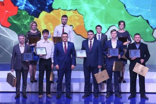 Получили деньги и дипломы. Магнитогорцы вошли в число победителей проекта «Славим человека труда»