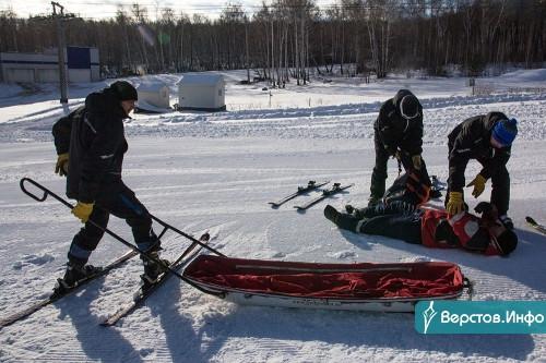 Магнитка готовится к мировым соревнованиям. На Банном отработали план действий при травме сноубордиста