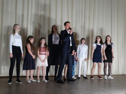 Сорвали овации. Участники телевизионного проекта «Хочу петь» дали поздравительный концерт
