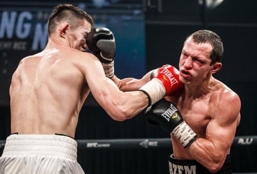 На глазах у Роя Джонса-младшего. Магнитогорский боксер одержал победу над соперником из Старого Оскола