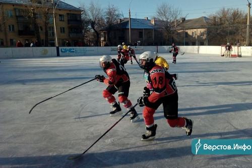 Принимали челябинцев. В Магнитогорске прошел детский хоккейный турнир памяти Глеба Лукина