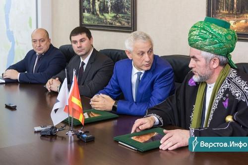 Подписали соглашение. Мэр Магнитогорска встретился с главным муфтием региона