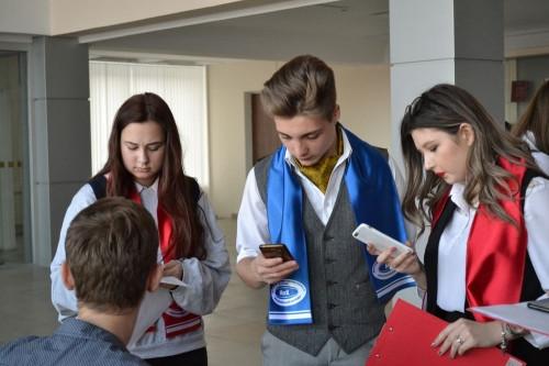 Предлагают идеи и получают подарки. Магнитогорские дети пообщались с чиновниками и депутатами
