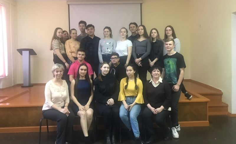 Говорили на одном языке. В Магнитогорске младший лейтенант полиции и школьники обсудили проблемы молодежи