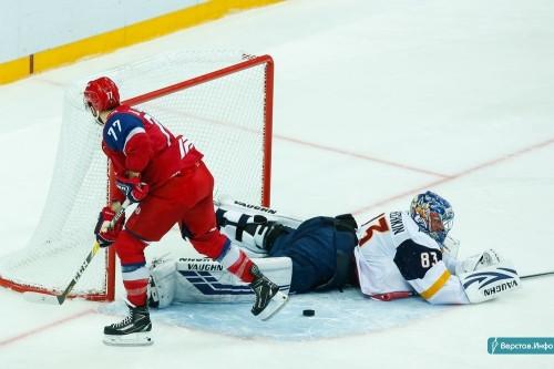 300 шайб Мозякина и 200 побед Кошечкина. «Металлург» взял два рубежа в матче с «Сибирью»