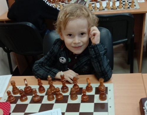Екатерина – первая, Арсений – третий! Юные шахматисты из Магнитогорска показали себя на областных соревнованиях
