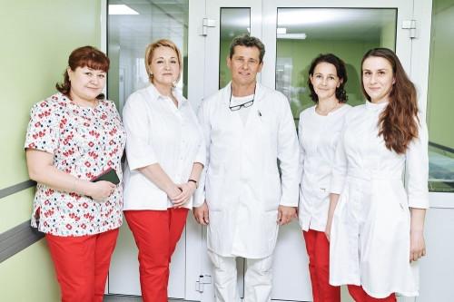 За пластикой – в «НовоМед». Известный пластический хирург Сергей Захаров возвращает молодость и красоту