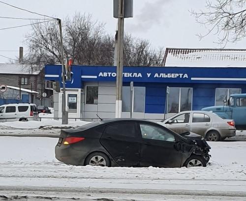 Не пристегнулся? Водитель «Мазды» после ДТП вылетел из машины через лобовое стекло