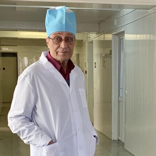 Больше 40 лет с самыми тяжёлыми больными. В Магнитогорске отмечает юбилей легендарный реаниматолог