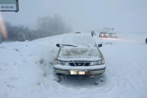 Магнитогорский водитель по пути в аэропорт задавил мужчину. По его словам, погибший лежал прямо на дороге