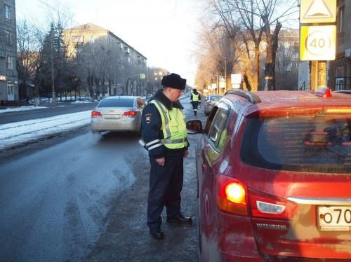 23 нарушителя! Магнитогорским водителям выписывали штрафы за перевозку детей без спецкресел