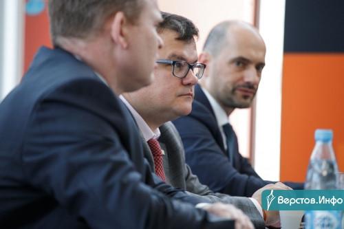 В «Регинас» за мечтой! В Магнитогорске открылся дилерский центр Renault