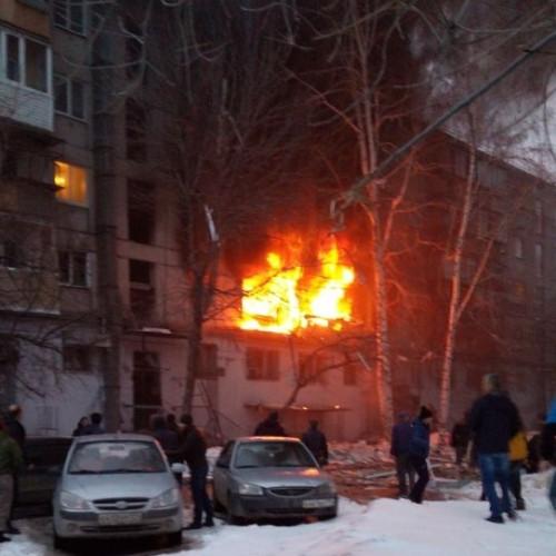 Двое погибших, 37 эвакуированных. Всё, что известно о взрыве дома на Доменщиков, 19