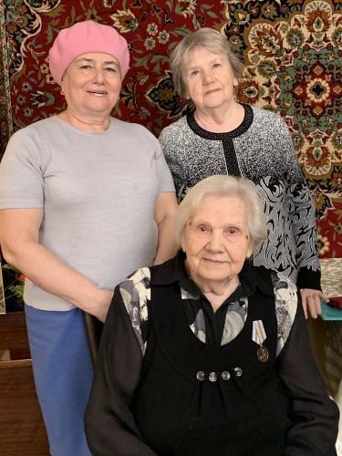 Вместе не только в праздники. Помогать ветеранам больницы стало хорошей традицией