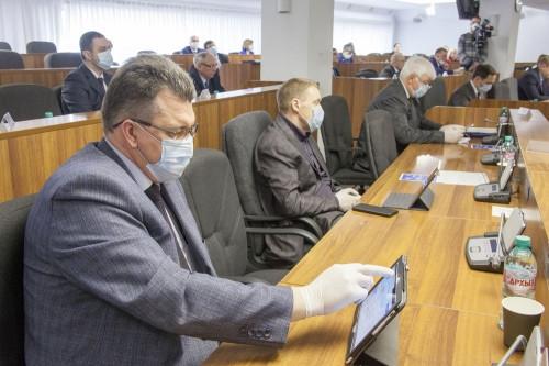 «Придет какой-нибудь ботаник». Депутаты поспорили о тестировании будущего мэра