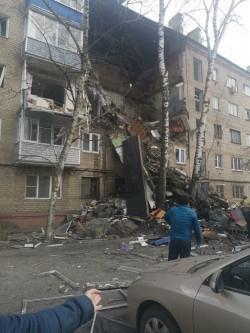 Теперь и в Подмосковье. В Орехово-Зуеве взрыв газа уничтожил подъезд пятиэтажки