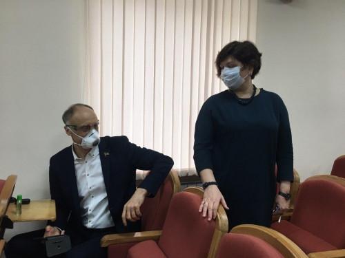 Пятеро из них – в Магнитогорске. Областные депутаты сегодня заседают порознь