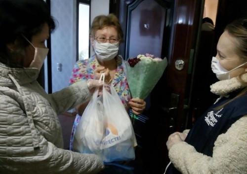 Научат шить кого угодно! Возрастные волонтёры Магнитогорска освоили швейное мастерство