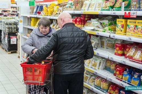 Колбасное изобилие и дорогая гречка. Вице-губернатор заявил о подорожании продуктов и запасах продовольствия