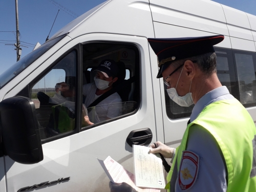 В Магнитке уже 57 нарушителей. ГИБДД в Магнитогорске следит за соблюдением масочного режима
