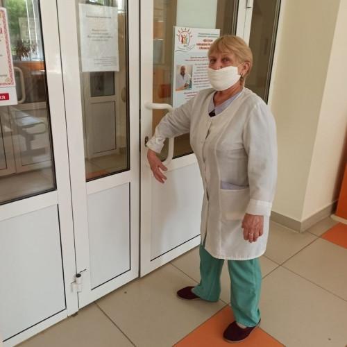 Безопасность в условиях пандемии. Бесконтактные ручки появились и в детских поликлиниках