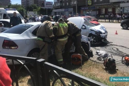 Одно ДТП – семеро пострадавших. После аварии около «Тетриса» два ребёнка оказались в реанимации
