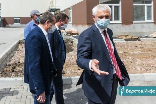 Подрядчик слово держит! Строительство новой школы в 145 микрорайоне выходит на финишную прямую
