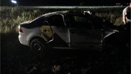 Магнитогорский таксист улетел в кювет под Южноуральском. После ДТП его супругу госпитализировали