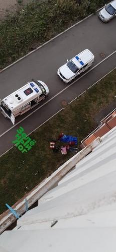 Несчастный случай. В Магнитогорске с 8 этажа выпала мать двоих детей