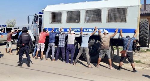 Нарушений миграционного законодательства хватает. Полицейские проверили, кто работает на городских стройках
