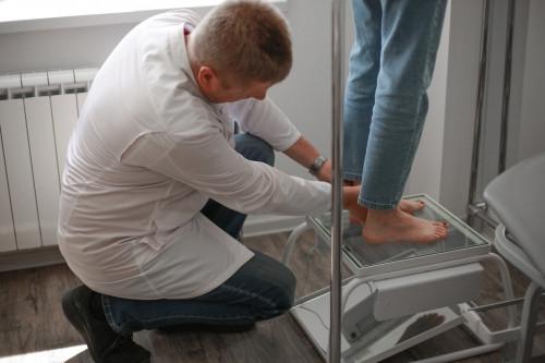 Ваша обувь – орудие пытки? Почему многим горожанам пора идти к ортопеду