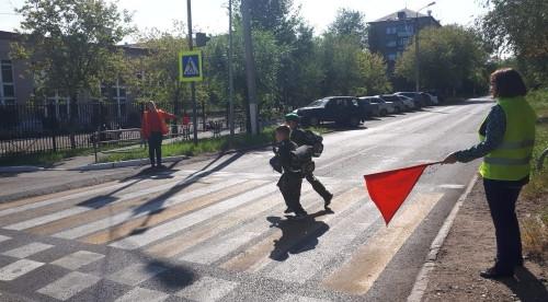 В Магнитогорске сотрудники ГИБДД составили протоколы на 14 водителей. Они сэкономили на безопасности детей
