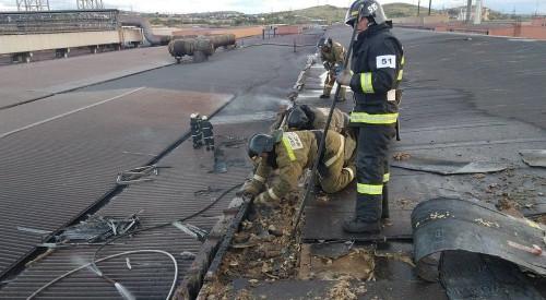 В ЛПЦ-4 произошёл крупный пожар. В ликвидации возгорания участвовали 57 огнеборцев и 18 единиц техники