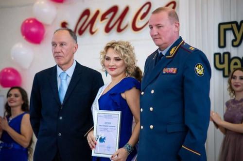 Знают законы и стреляют по мишеням. В Челябинске выбрали лучшую «Мисс УИС»