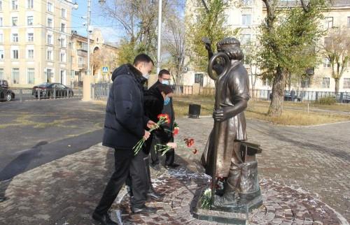 В каждую работу он вкладывал душу. В Магнитогорске почтили память скульптора Геннадия Плахова