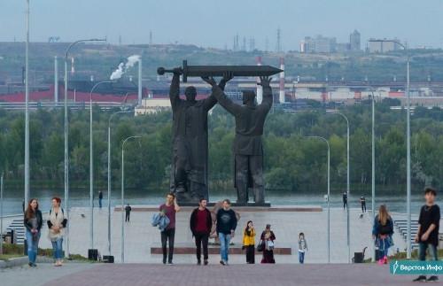 Будут круглосуточные посты! Охрана парка У Вечного огня и ещё четырёх объектов обойдется бюджету города в 8,2 млн рублей