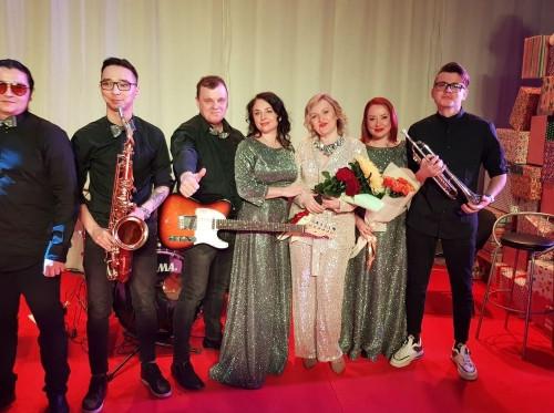 Поют не только артисты. Известный юрист Светлана Крылова дебютировала на сцене Концертного объединения