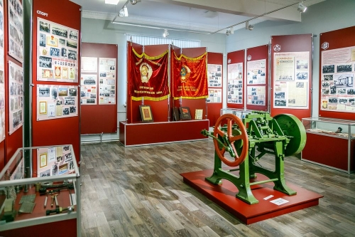 Там есть даже рабочий гвоздильный автомат! Магнитогорский музей участвует в профессиональном конкурсе