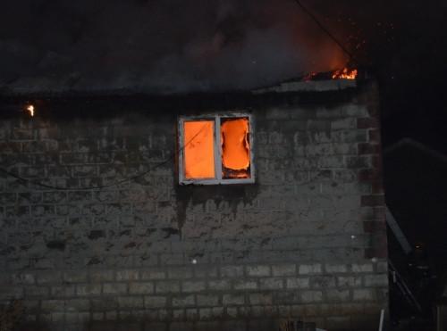 Сгорели два дома и баня. Сегодня ночью в СНТ «Калибровщик-1» вспыхнул дом