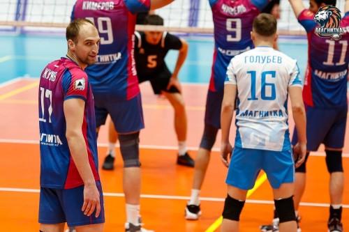 Обыграли свердловчан. Волейбольная «Магнитка» пополнилась москвичом и открыла серию победой